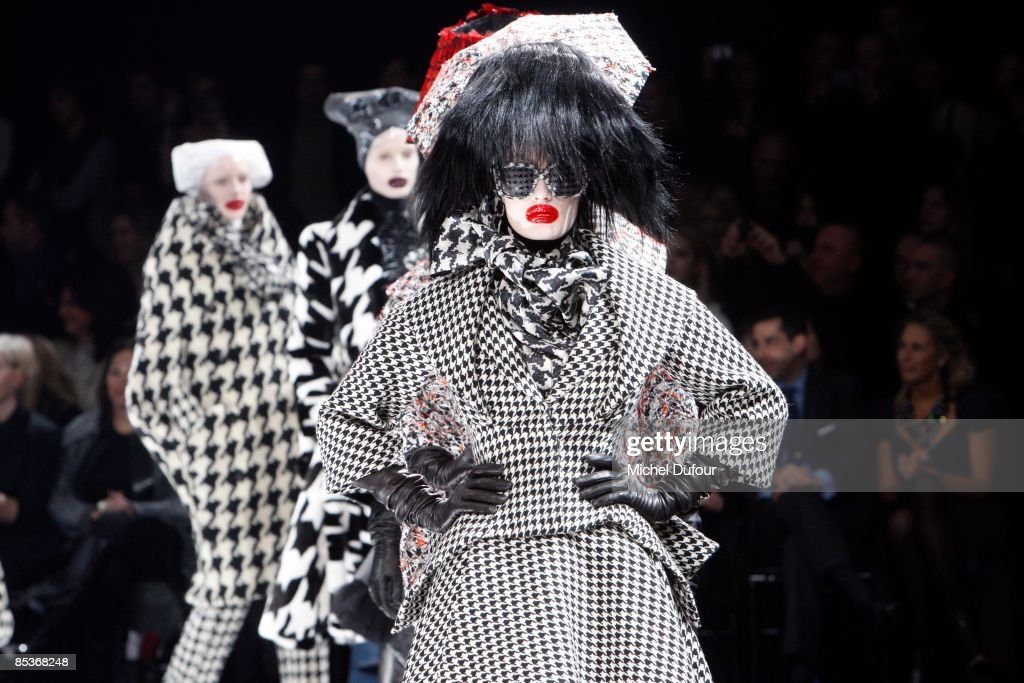 Models walk the runway at the Alexander McQueen Ready-to-Wear A/W 2009 fashion show during Paris Fashion Week at POPB on March 10, 2009 in Paris, France.