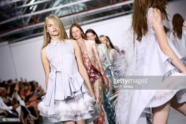 Models walk the runway at the Antonio Berardi show during London Fashion Week Spring/Summer collections 2017 on September 19 2016 in London United...
