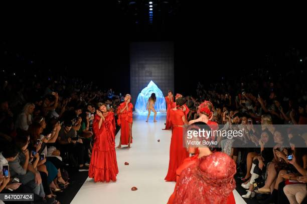 Models walk the runway at the Bashaques show presented by MercedesBenz during MercedesBenz Istanbul Fashion Week September 2017 at Zorlu Center on...