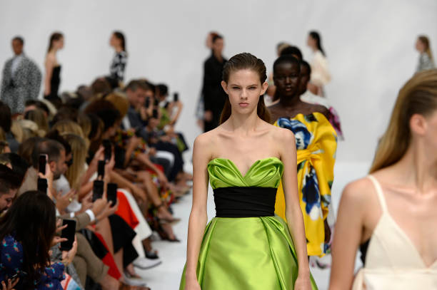 NY: Carolina Herrera - Runway - September 2019 - New York Fashion Week