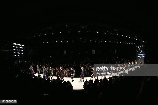 Models walk the runway at the DB Berdan show during the MercedesBenz Fashion Week Istanbul Autumn/Winter 2016 at Zorlu Center on March 16 2016 in...