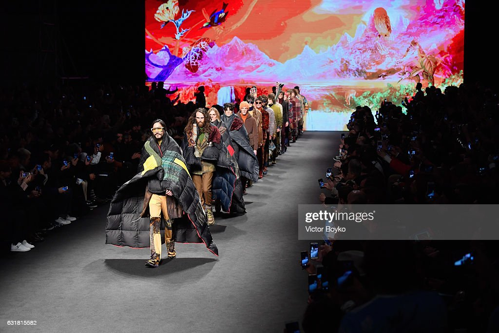 Etro - Runway - Milan Men's Fashion Week Fall/Winter 2017/18 : News Photo