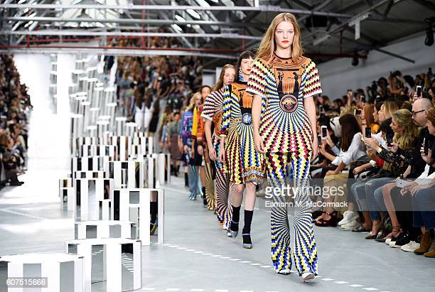 Models walk the runway at the Mary Katrantzou show during London Fashion Week Spring/Summer collections 2017 on September 18 2016 in London United...