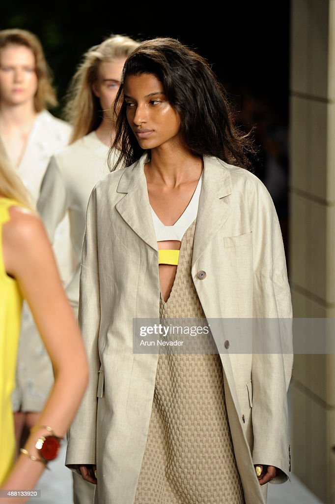 Opening Ceremony - Runway - Spring 2016 New York Fashion Week : News Photo