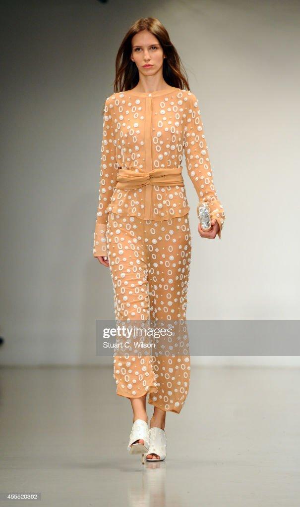 OSMAN: Runway - London Fashion Week SS15 : News Photo
