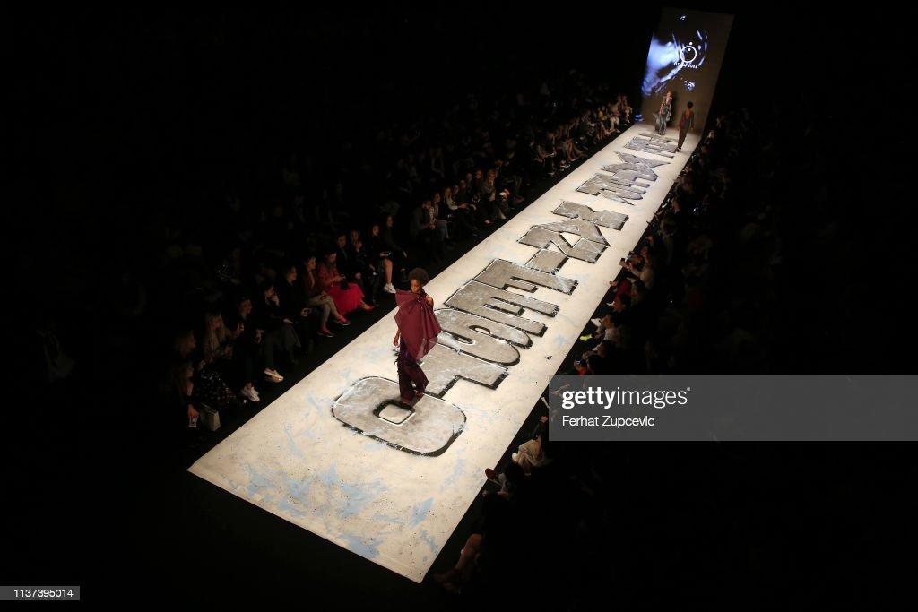 TUR: Ozlem Suer - Runway - Mercedes-Benz Fashion Week Istanbul - March 2019