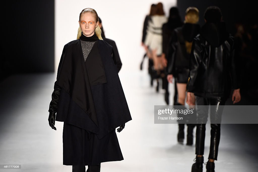 Pearly Wong Show - Mercedes-Benz Fashion Week Berlin Autumn/Winter 2015/16 : Nachrichtenfoto