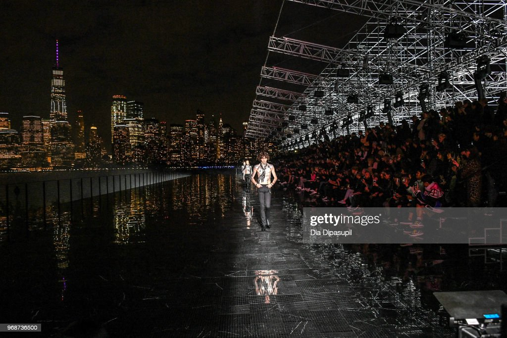 Saint Laurent Resort 2019 Runway Show : News Photo
