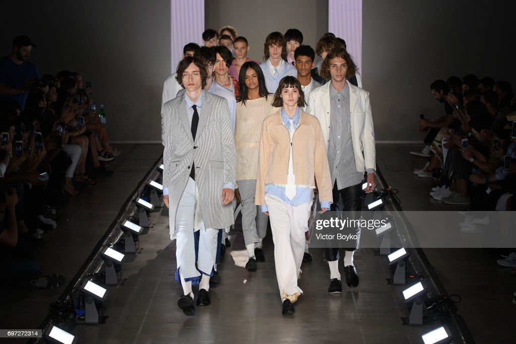 Sulvam - Runway - Milan Men's Fashion Week Spring/Summer 2018 : ニュース写真