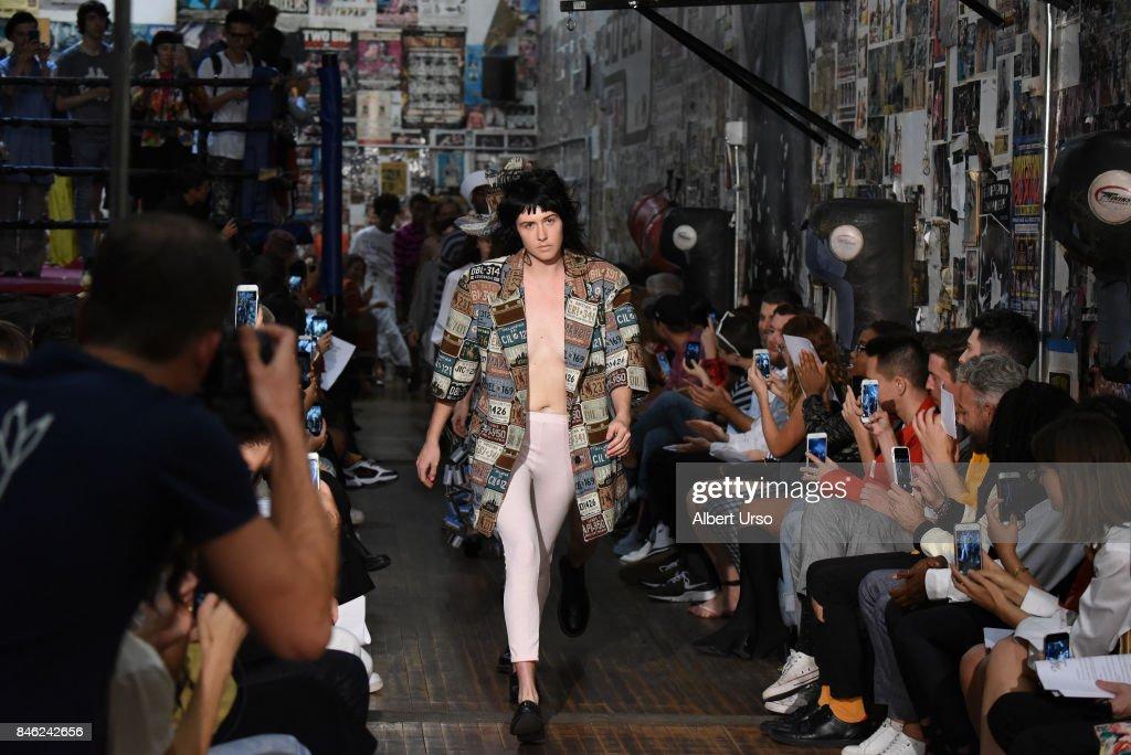 Vaquera - Runway - September 2017 - New York Fashion Week : ニュース写真
