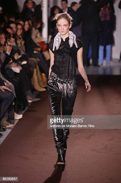 Models walk the runway at the Veronique Leroy Ready-to-Wear A/W 2009 fashion show during Paris Fashion Week at Espace Commines on March 6, 2009 in...