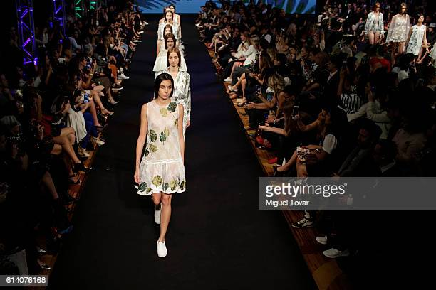Models walk the runway at Vero Diaz show during the MercedesBenz Fashion Week Mexico Spring/Summer 2017 at Sheraton Maria Isabel Hotel on October11...