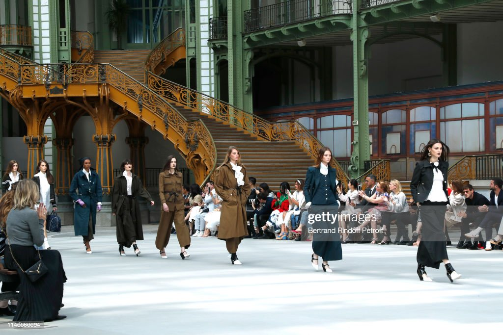 Chanel Cruise Collection 2020 : Runway At Grand Palais In Paris : ニュース写真