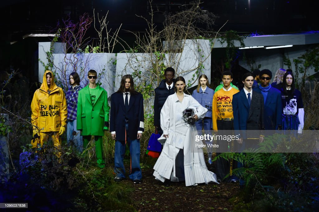 Off-White : Runway - Paris Fashion Week - Menswear F/W 2019-2020 : ニュース写真