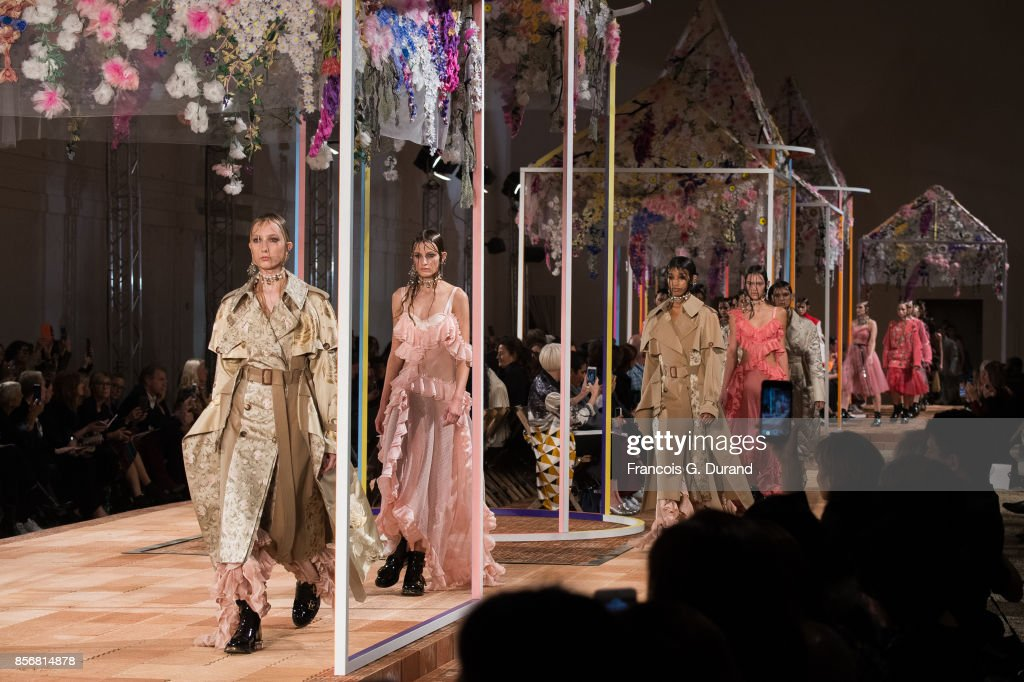 Models walk the runway during the Alexander McQueen show as part of the Paris Fashion Week Womenswear Spring/Summer 2018 on October 2, 2017 in Paris, France.