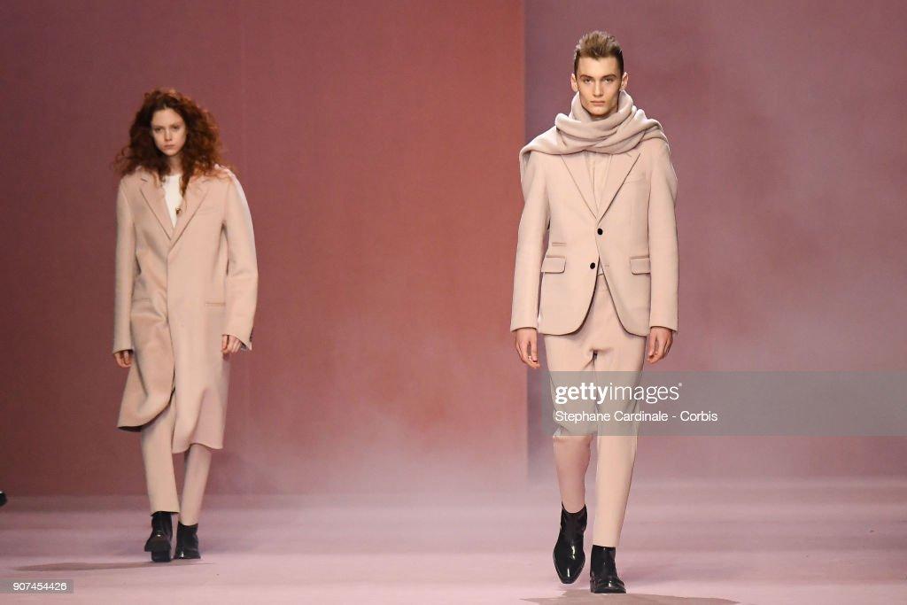 Berluti :  Runway - Paris Fashion Week - Menswear Fall Winter 2018/2019 : ニュース写真