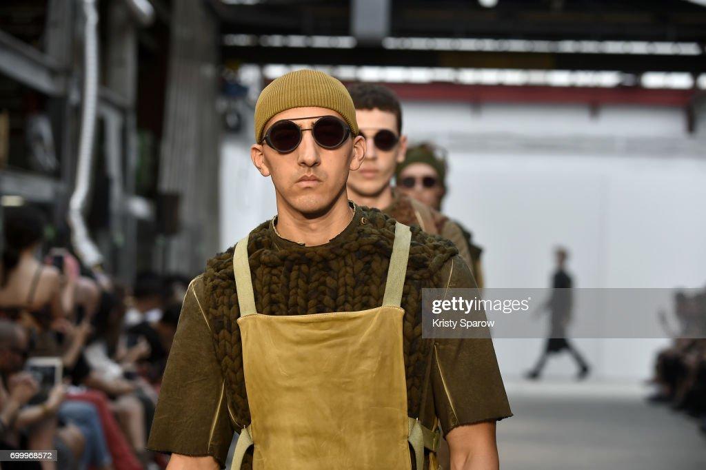 Boris Bidjan Saberi : Runway - Paris Fashion Week - Menswear Spring/Summer 2018 : ニュース写真