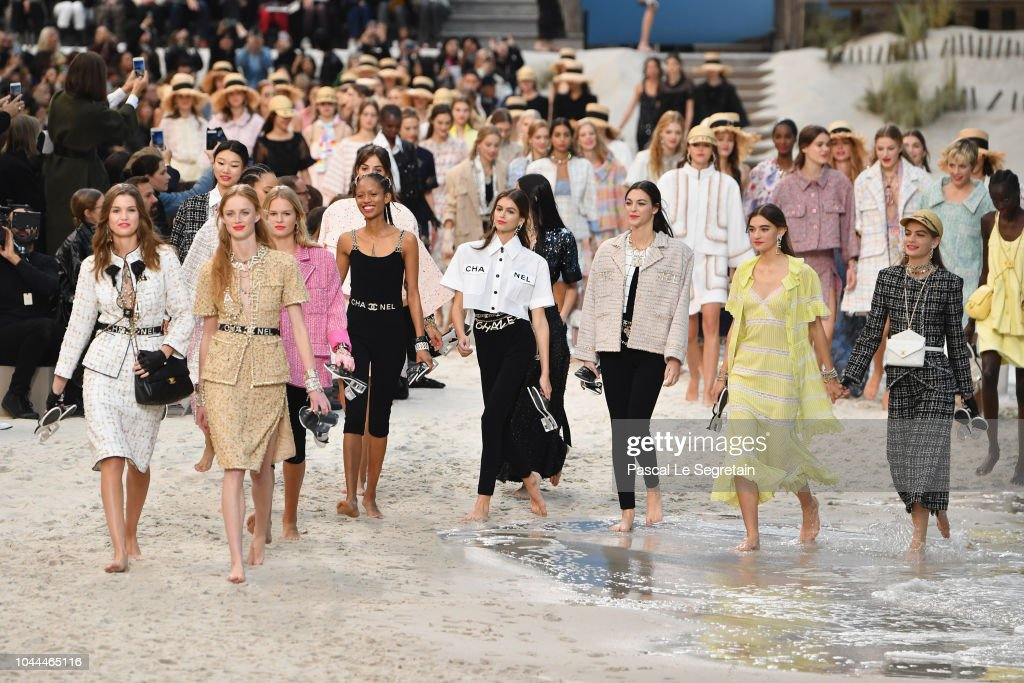 Chanel : Runway - Paris Fashion Week Womenswear Spring/Summer 2019 : News Photo