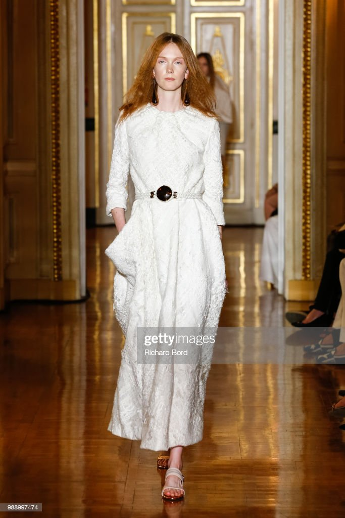 models-walk-the-runway-during-the-christophe-josse-haute-couture-fall-picture-id988997474