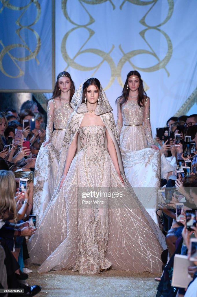 Elie Saab : Runway - Paris Fashion Week - Haute Couture Fall/Winter 2017-2018 : News Photo
