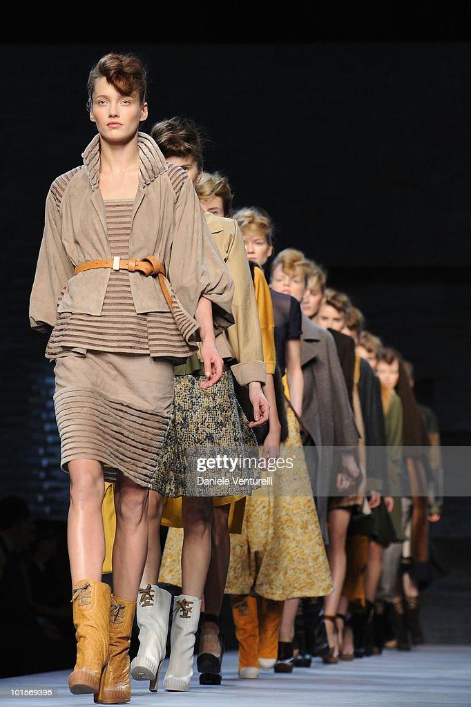 Models walk the runway during the Fendi Milan Fashion Week womenswear Autumn/Winter 2010 show on February 25, 2010 in Milan, Italy.
