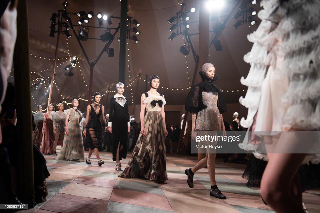 Christian Dior : Runway - Paris Fashion Week - Haute Couture Spring Summer 2019 : News Photo