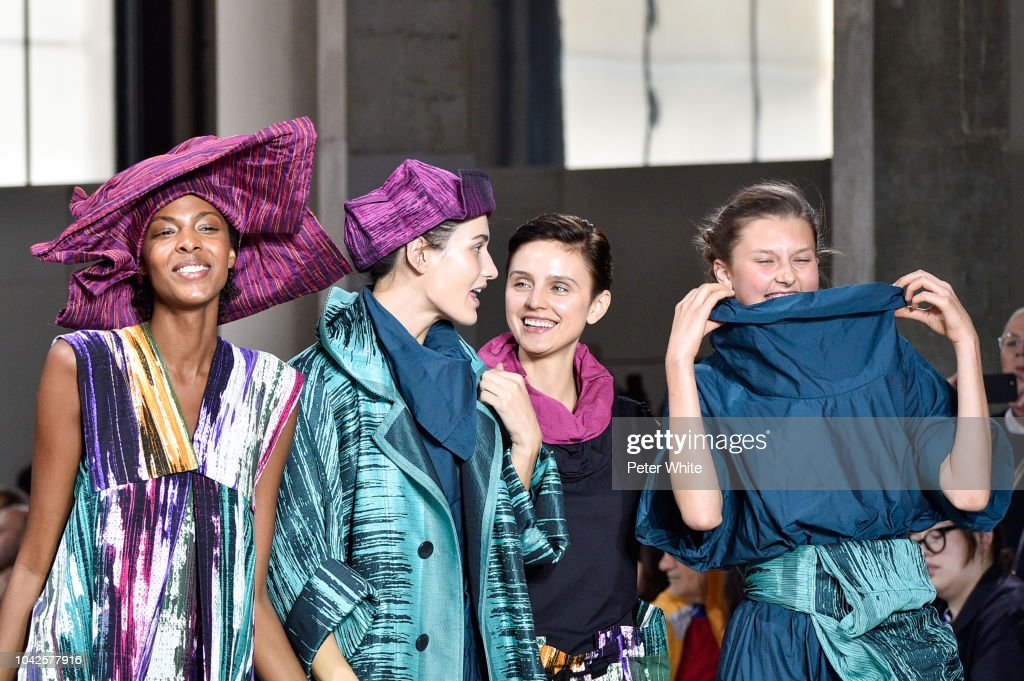 Issey Miyake : Runway - Paris Fashion Week Womenswear Spring/Summer  2019 : ニュース写真