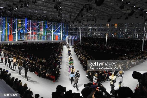Models walk the runway during the Louis Vuitton show as part of the Paris Fashion Week Womenswear Fall/Winter 2019/2020 on March 05, 2019 in Paris,...
