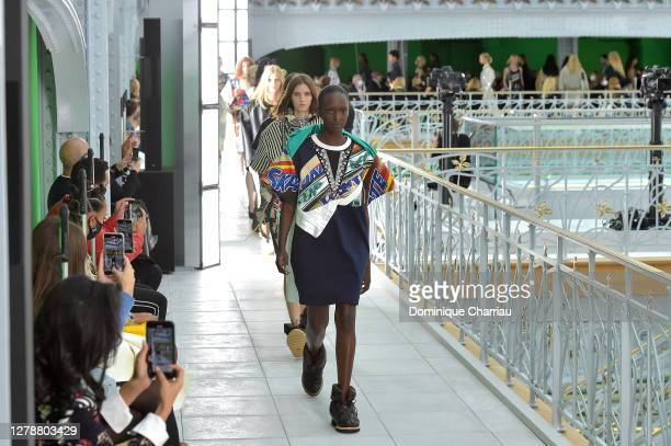 Models walk the runway during the Louis Vuitton Womenswear Spring/Summer 2021 show as part of Paris Fashion Week on October 06, 2020 in Paris, France.