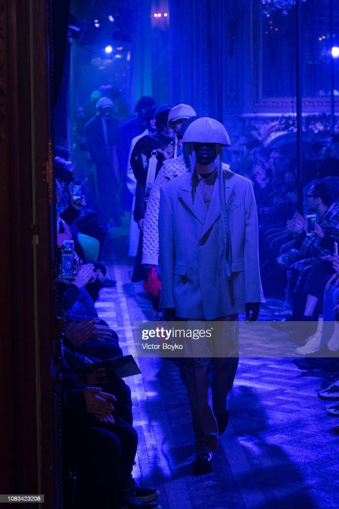 Raf Simons : Runway - Paris Fashion Week - Menswear F/W 2019-2020 : ニュース写真