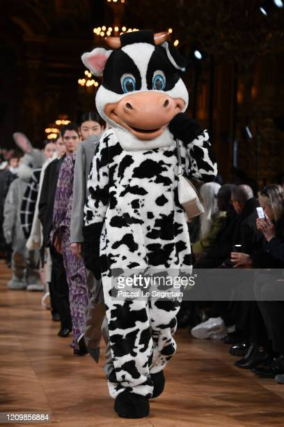 Models walk the runway during the Stella McCartney as part of the Paris Fashion Week Womenswear Fall/Winter 2020/2021 on March 02 2020 in Paris France