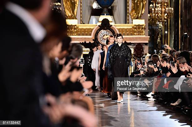 Models walk the runway during the Stella McCartney show as part of the Paris Fashion Week Womenswear Fall/Winter 2016/2017 on March 7, 2016 in Paris,...