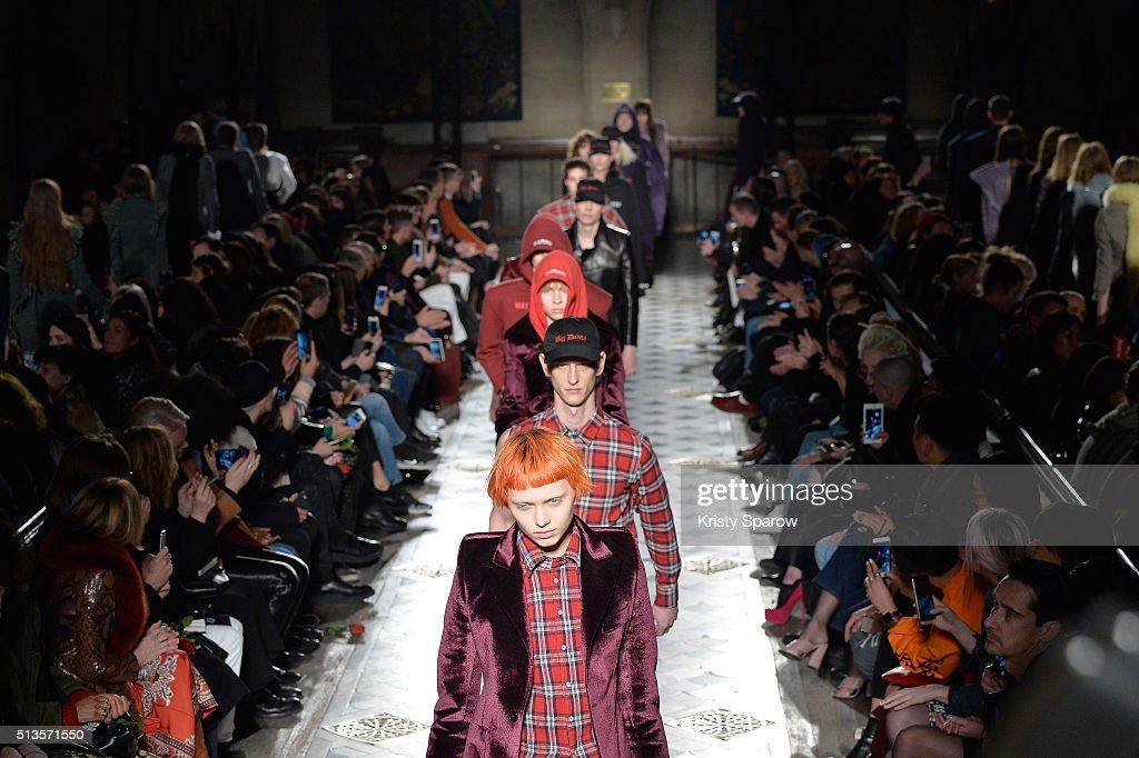 Vetements : Runway - Paris Fashion Week Womenswear Fall/Winter 2016/2017 : News Photo