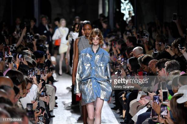 Models walk the runway during the Y/Project Womenswear Spring/Summer 2020 show as part of Paris Fashion Week on September 26, 2019 in Paris, France.