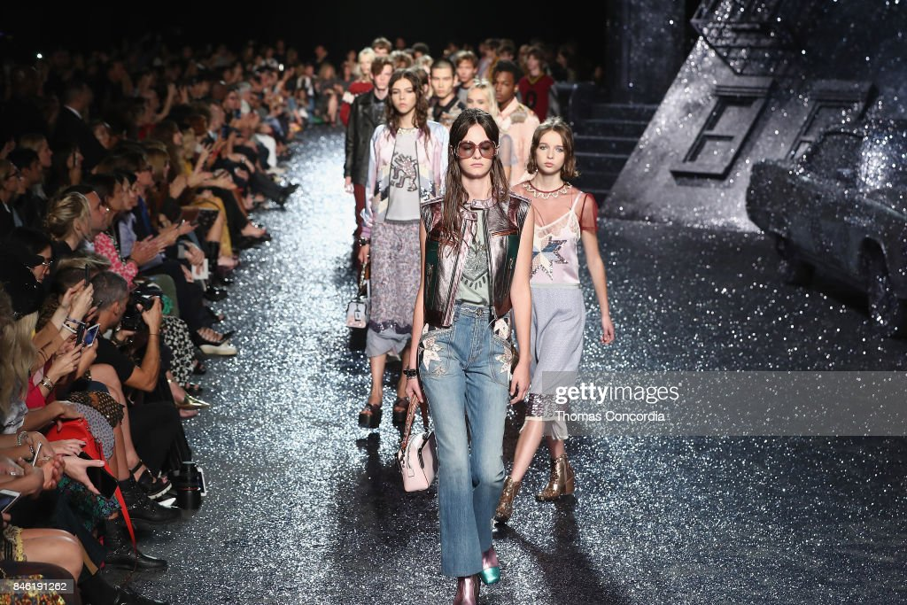 Coach - Runway - September 2017 - New York Fashion Week: The Shows : ニュース写真