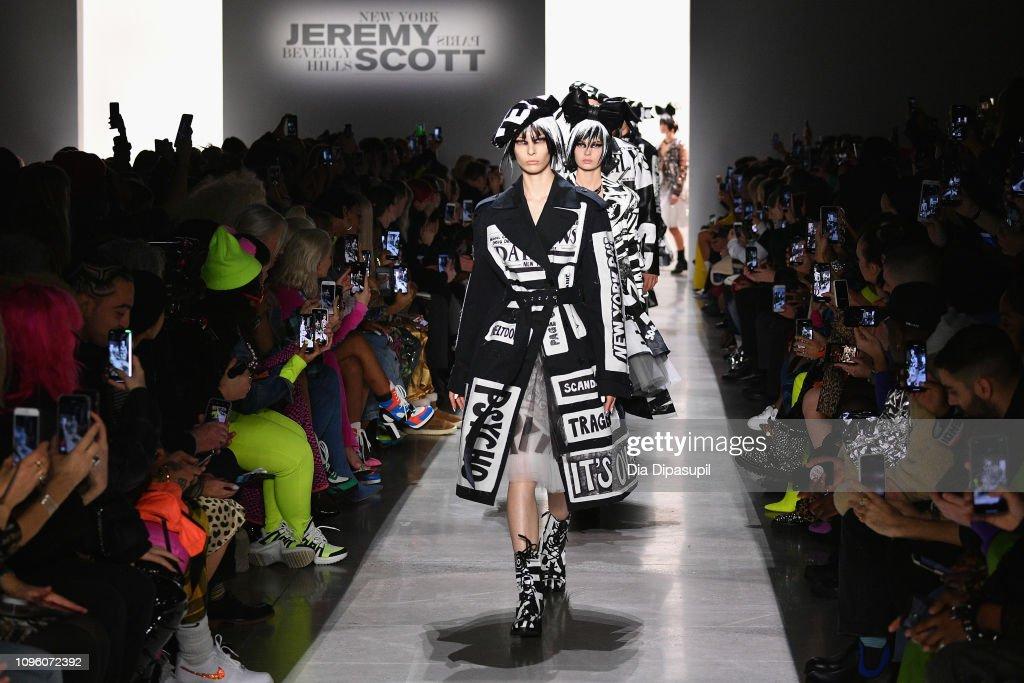 Jeremy Scott - Runway - February 2019 - New York Fashion Week: The Shows : News Photo