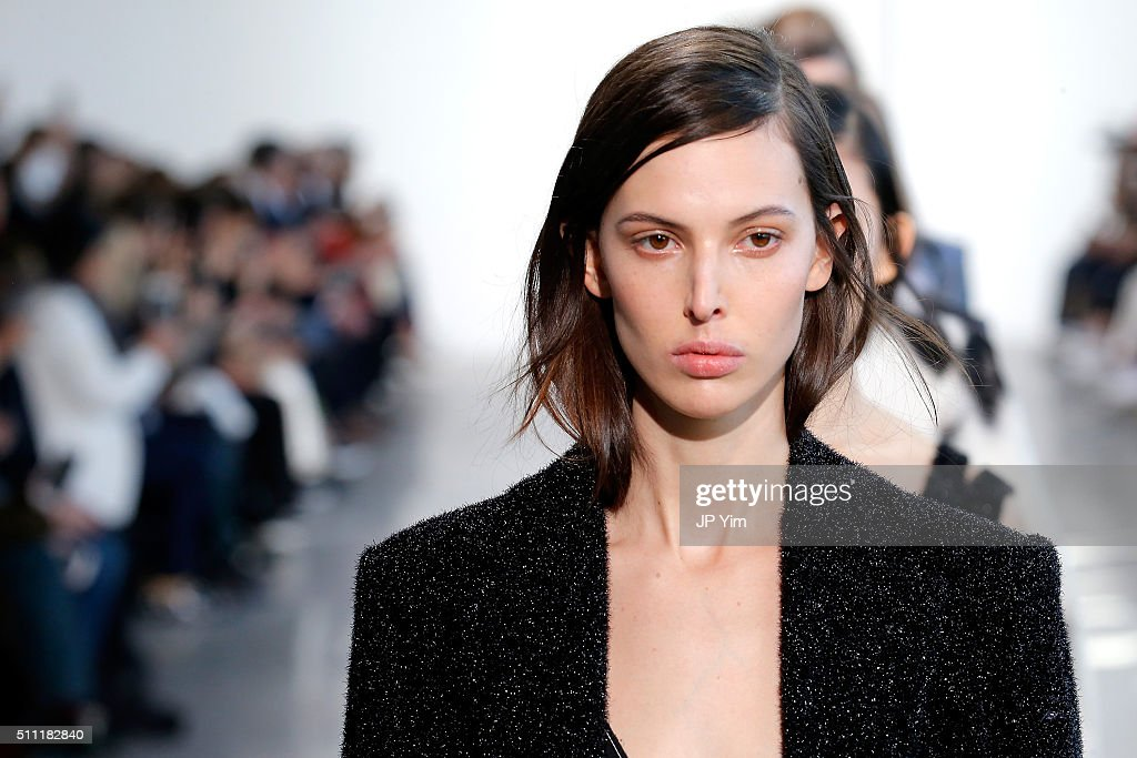 Calvin Klein Collection - Runway - Fall 2016 New York Fashion Week : News Photo
