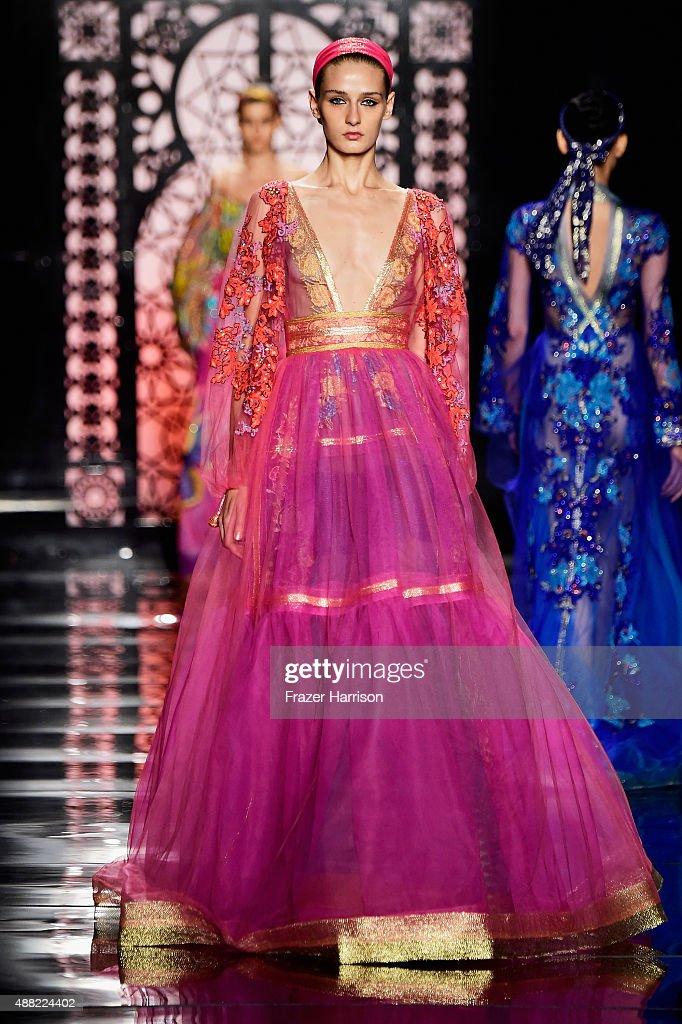 Reem Acra - Runway - Spring 2016 New York Fashion Week: The Shows : News Photo