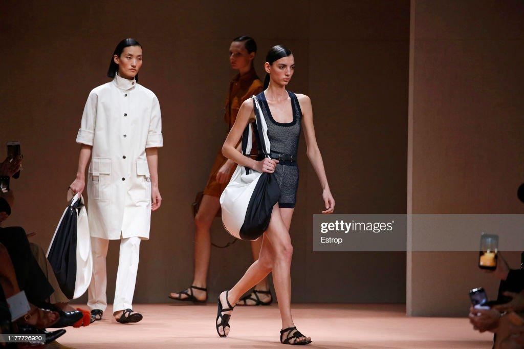 Hermes : Runway - Paris Fashion Week - Womenswear Spring Summer 2020 : ニュース写真