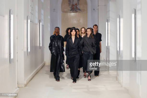 Models walking on the runway during the Lemaire Womenswear Spring/Summer 2020 show as part of Paris Fashion Week on September 25, 2019 in Paris,...