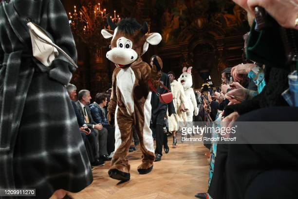 Models walks the runway during the Stella McCartney as part of the Paris Fashion Week Womenswear Fall/Winter 2020/2021 on March 02 2020 in Paris...