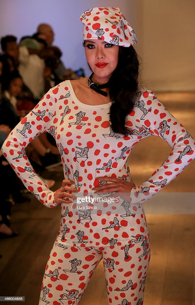 LA Fashion Week - Vilorija - Runway : News Photo