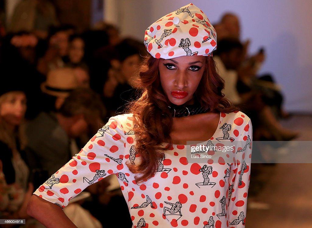 LA Fashion Week - Vilorija - Runway : Fotografía de noticias