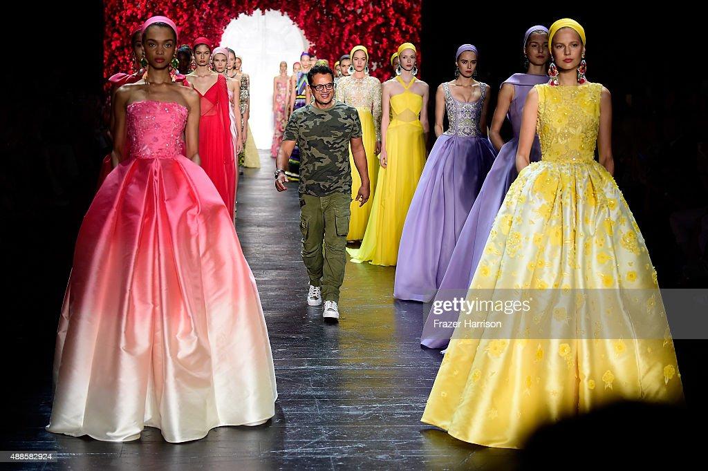 Naeem Khan - Runway - Spring 2016 New York Fashion Week: The Shows : News Photo