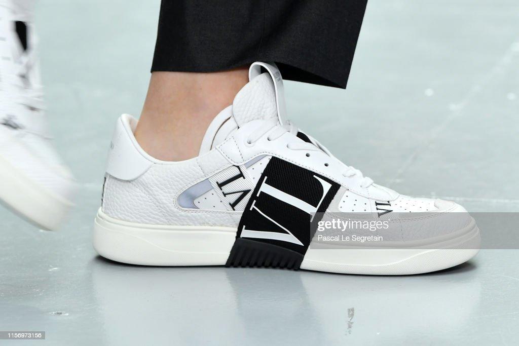 Valentino : Runway - Paris Fashion Week - Menswear Spring/Summer 2020 : ニュース写真