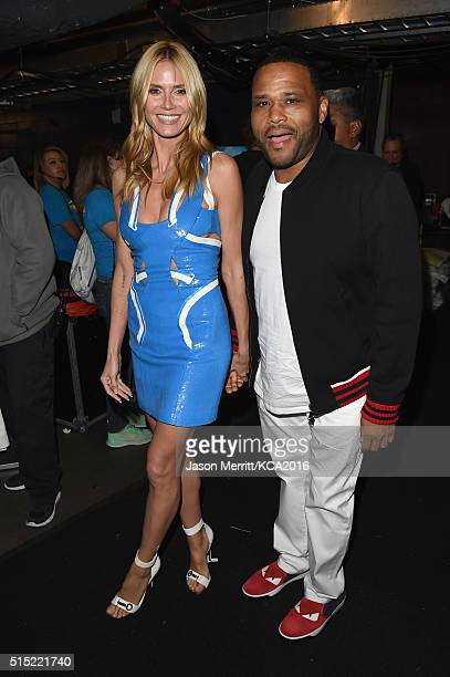 Model/TV personality Heidi Klum and actor Anthony Anderson pose backstage during Nickelodeon's 2016 Kids' Choice Awards at The Forum on March 12 2016...
