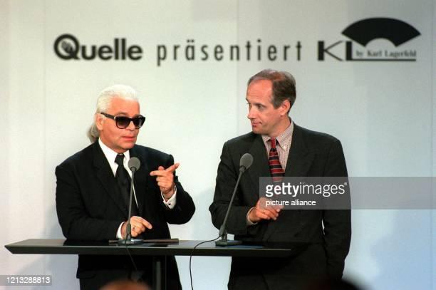 Modemacher Karl Lagerfeld und Steffen Stremme , der Vorstandsvorsitzende der Quelle Schickedanz AG & Co., begrüßen am 25.6.96 in Berlin die Gäste...
