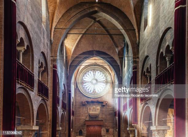 modena cathedral, interior view. emilia romagna, italy - cattedrale foto e immagini stock