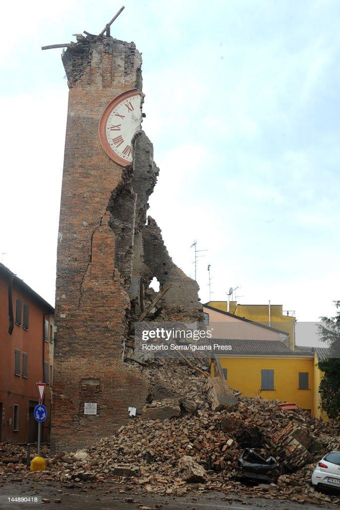 Earthquake Hits Northern Italy : News Photo