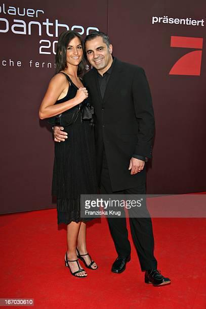 Moderator Aiman Abdallah Und Petra Linke Bei Der Verleihung Des Bayerischen Fernsehpreises In München Am 260507